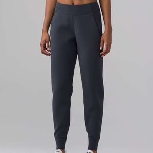 Lululemon Embrace the Space Pant sz 4
